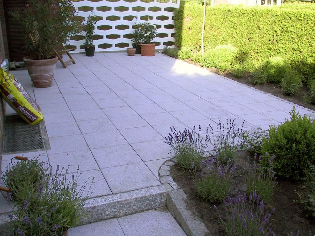 terrasse betonplatten 14. Black Bedroom Furniture Sets. Home Design Ideas